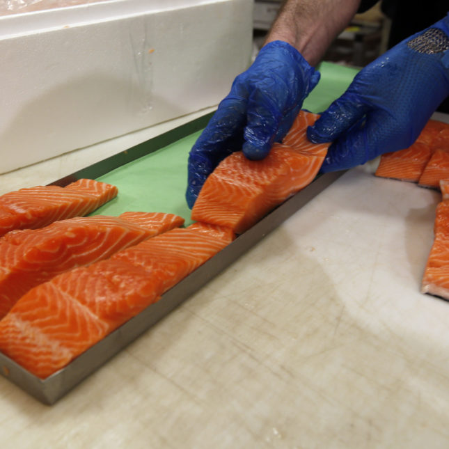 FDA gives list of what fish to avoid while pregnant