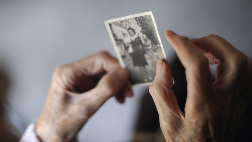 Can we 'cure' aging? Scientists disagree