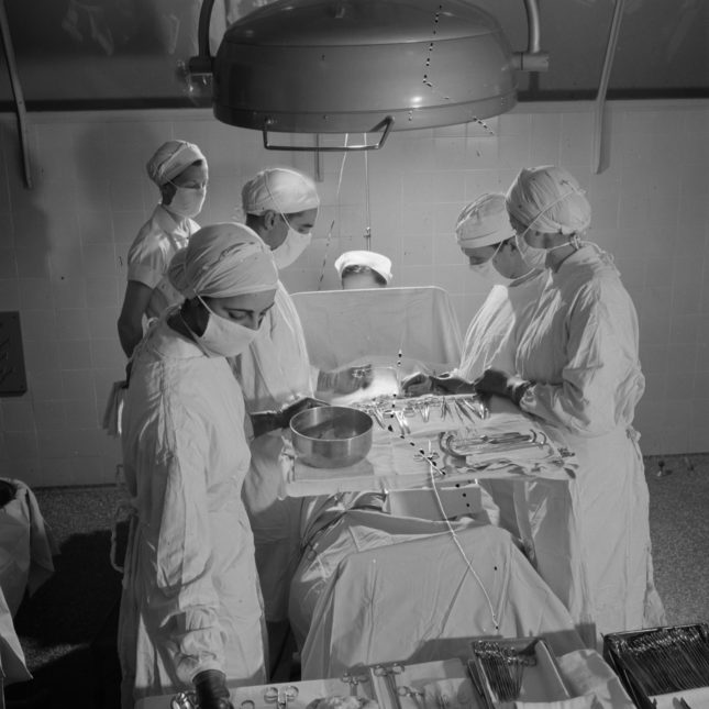 appendectomy essay The purpose of this article is to determine the negative appendectomy rates of patients who did and did not undergo  pictorial essay atrial.