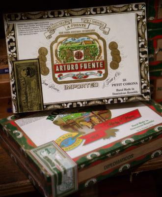 Cigar packaging