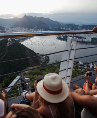 Zika Virus Threatens Brazil's Tourism Industry
