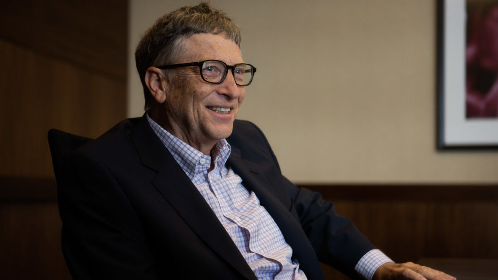 b ill gates role in microsoft essay Bill gates essays william henry gates the iii, is also referred as the king of  software he cofounder the microsoft corporation, the largest computer software .