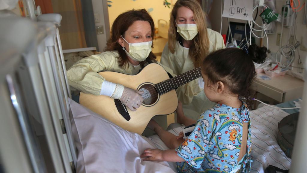music therapy for cancer patients There's new evidence that music therapy can help patients and their families  manage the anxiety and pain that comes with cancer treatment.