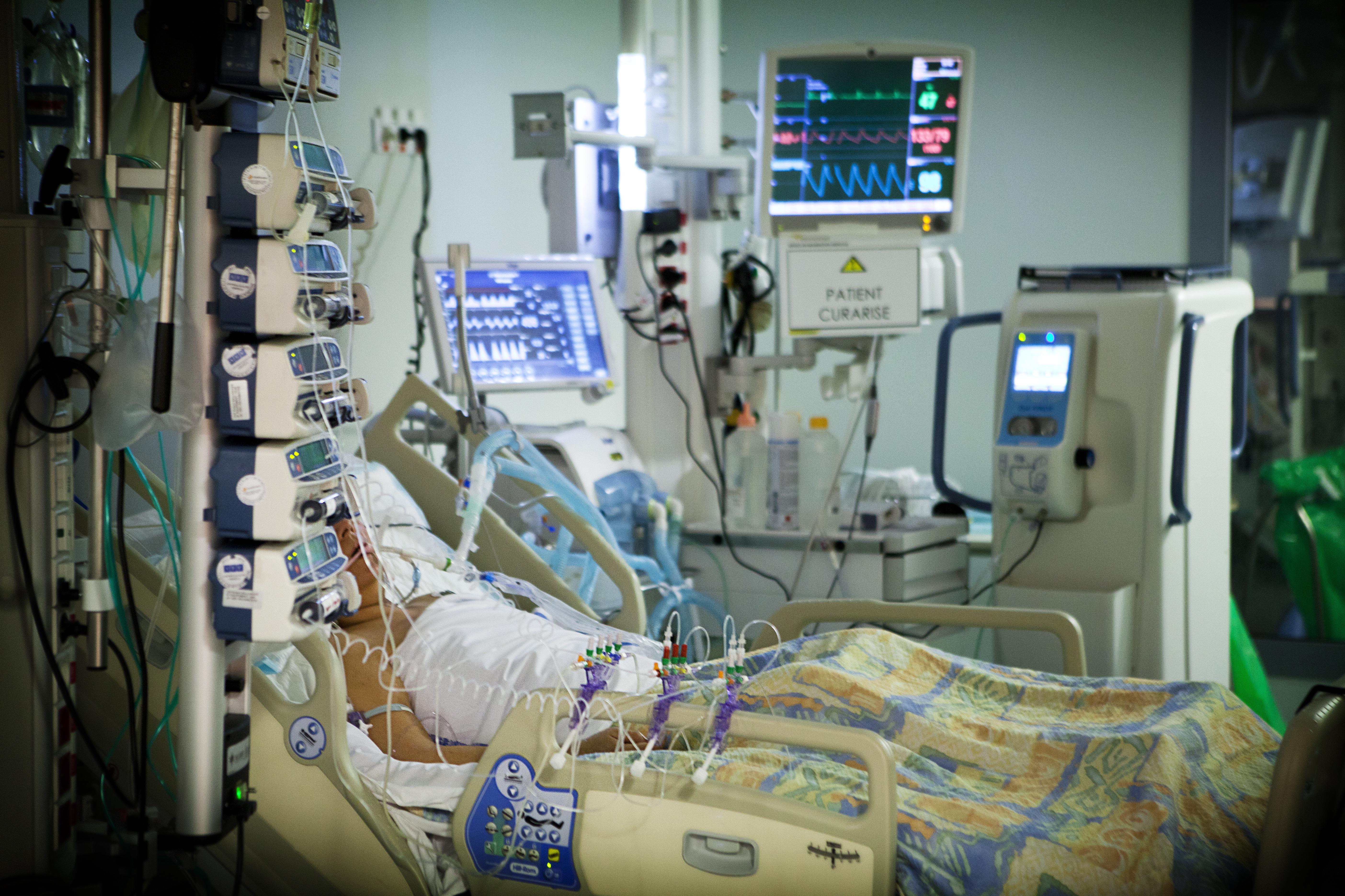 Doctors struggle to tug hospital ICUs into the modern era