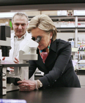Clinton in a lab