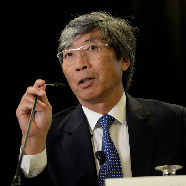 Saying LA lacks a great cancer center, Soon-Shiong plans to