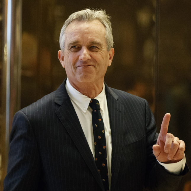 Trump Meets With Vaccine Skeptic >> Vaccine Critic Robert F Kennedy Jr Says He Ll Chair Trump Vaccine