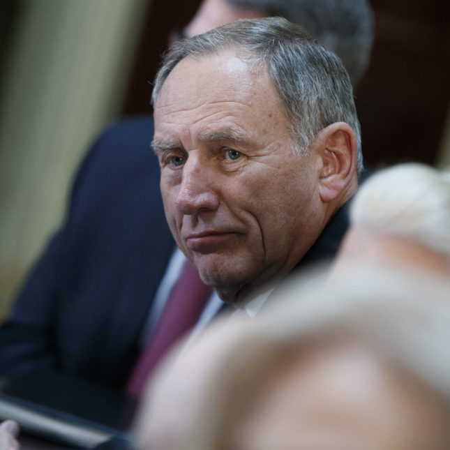 Toby Cosgrove to step down as head of the Cleveland Clinic
