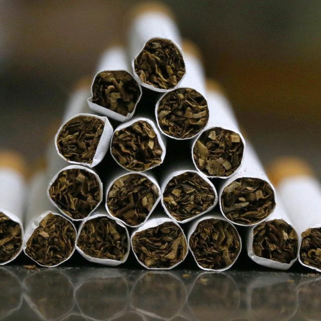 Hawaii classic white cigarettes Marlboro