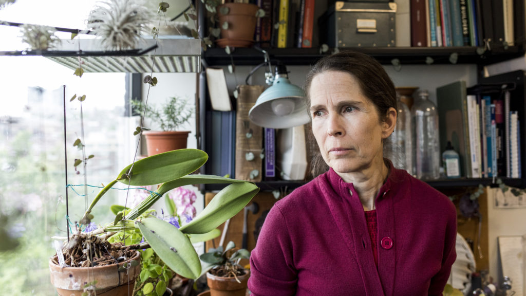 Boundary-breaking neurologist treats patients other doctors
