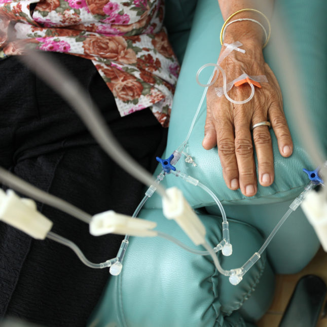 chemotherapy patients community-based cancer care