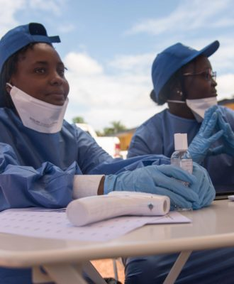 WHO nurses Congo vaccine
