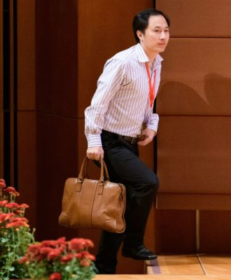 He Jiankui arrives to speak