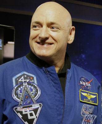 Scott Kelly, Mark Kelly