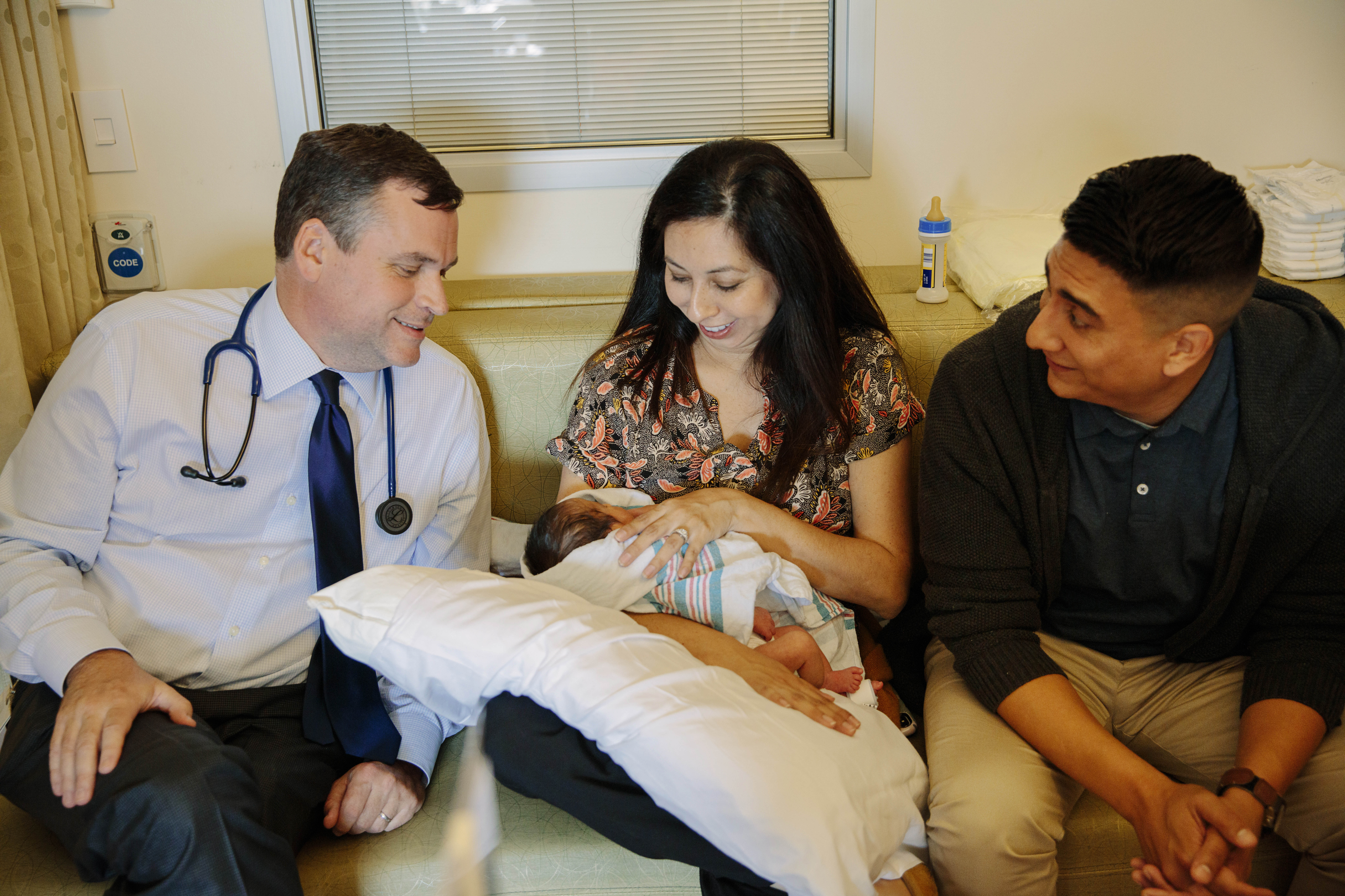 New fetal surgery for spina bifida may be safer for baby and