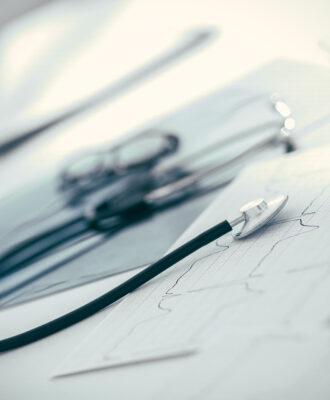stethoscope & smartphone