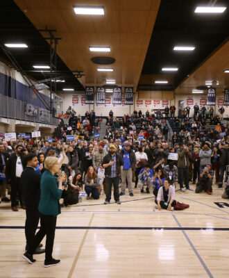 Sen. Warren Attends Iowa Caucus