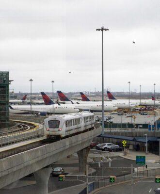 Delta planes at JFK airport