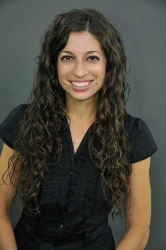 Dr. Anna Yaffee Headshot