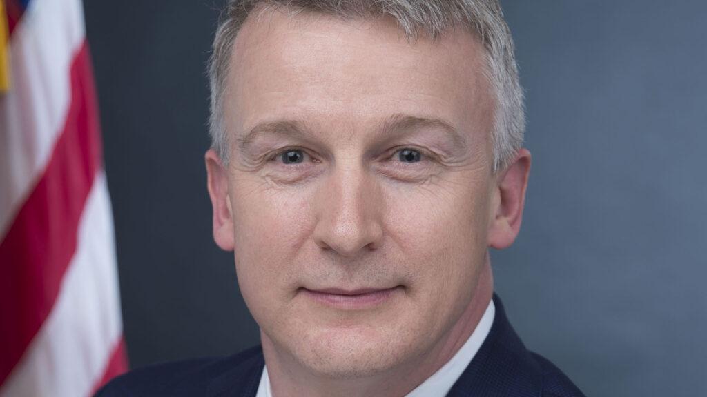 Director of key U.S. vaccine agency leaves role suddenly amid coronavirus