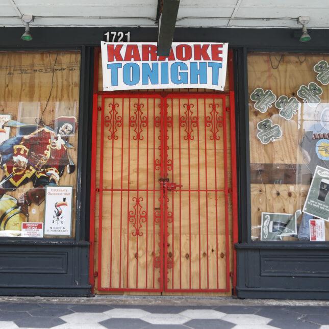 FL karaoke bar