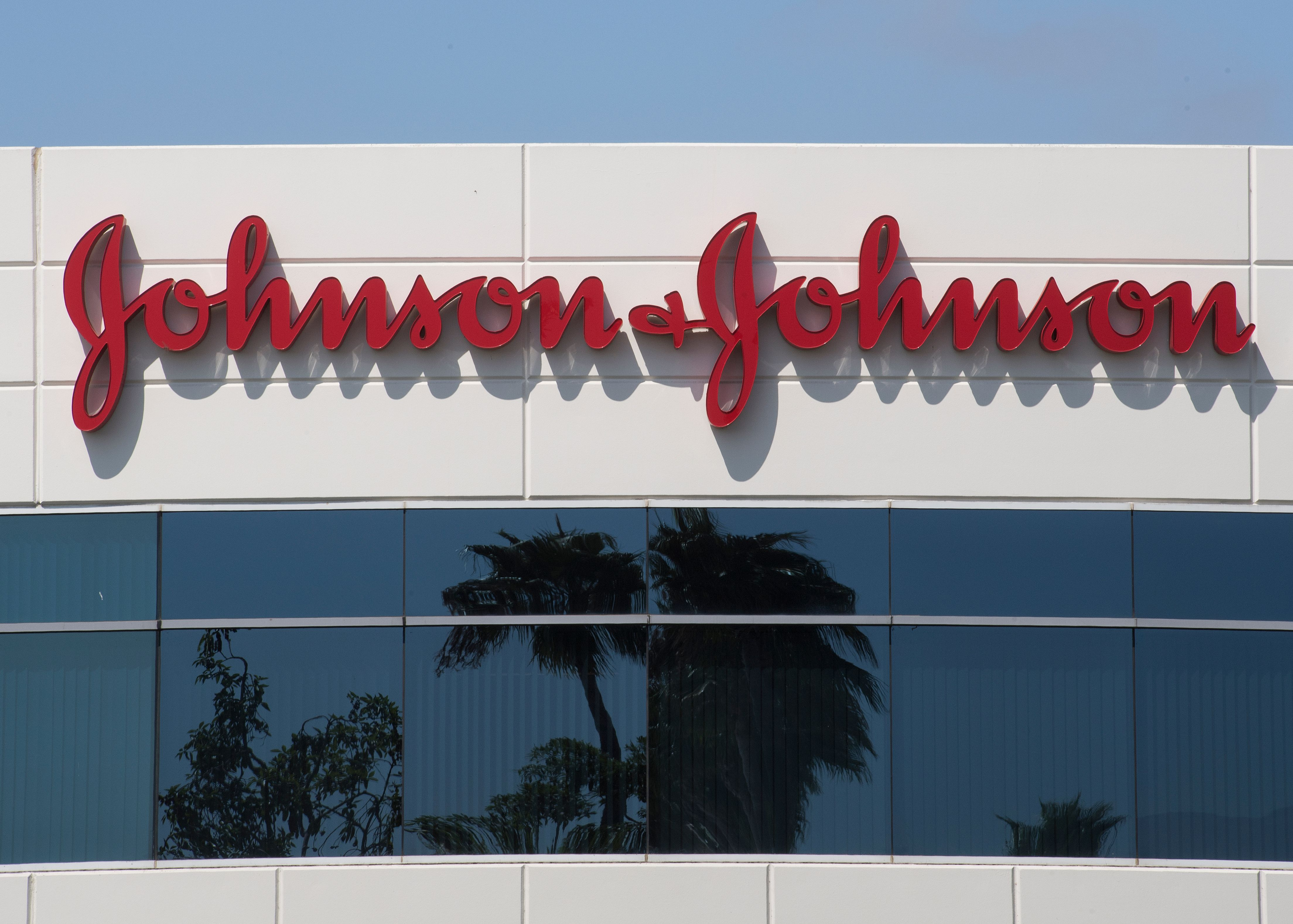 Johnson Johnson Covid 19 Vaccine Study Paused Due To Illness