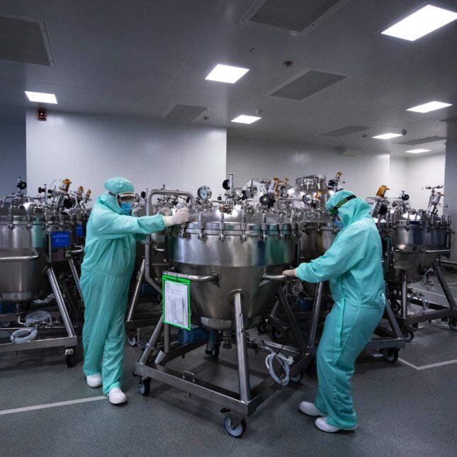 Sanofi vaccine manufacturing pharma investor