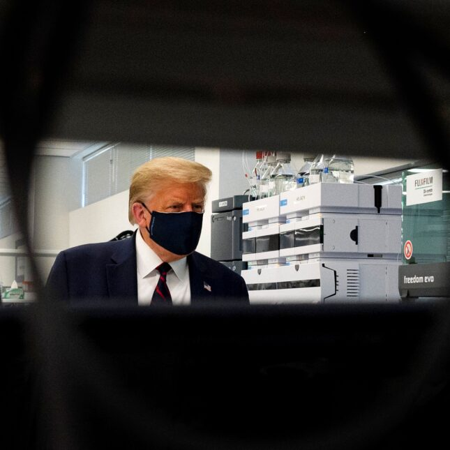 Trump in lab