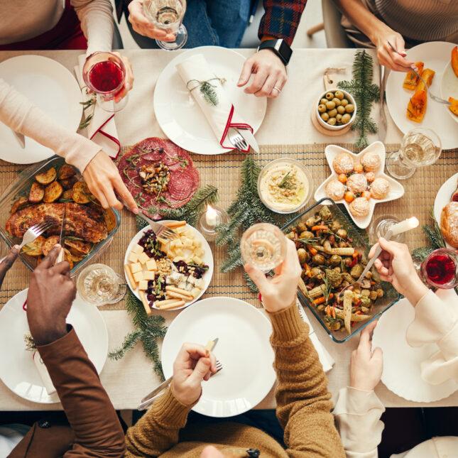 festive dinner table covid